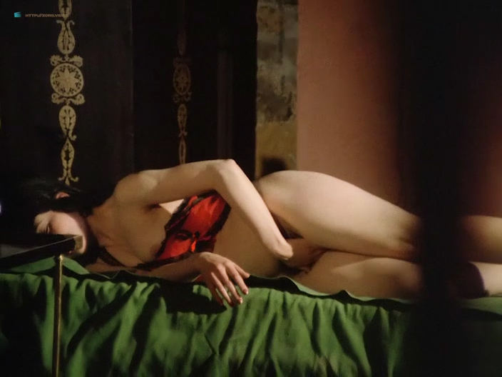 Lina Romay nude full frontal Alice Arno and Tania Busselier nude sex - How to Seduce a Virgin (1974) (11)