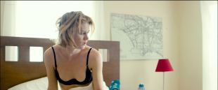 Mackenzie Davis hot sexy and see through - Izzy Gets the Fuck Across Town (2017) HD 1080p Web