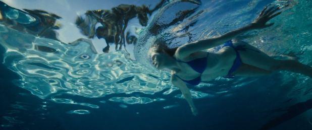 Elle Fanning hot sexy and wet in bikini - Galveston (2018) HD 1080p (9)