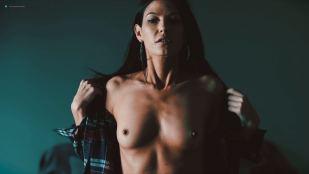 Eva Hamilton nude toples - Death Kiss (2018) HD 1080p WEB
