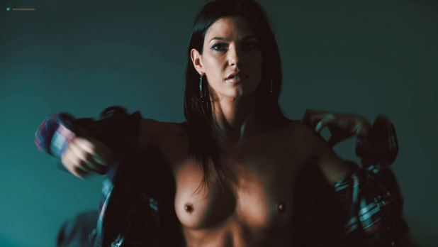 Eva Hamilton nude toples - Death Kiss (2018) HD 1080p WEB (2)