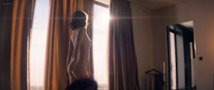 Mélanie Bernier nude butt Sveva Alviti hot and Clémence Faure topless - Love Addict (FR-2018) HD 1080p