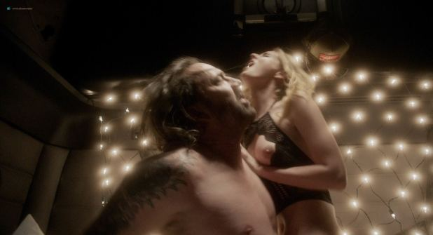 Penelope Mitchell nude butt boobs and lot of sex Franka Potente hot sex - Between Worlds (2018) HD 1080p Web (2)