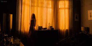 Toni Collette nude brief topless - Wanderlust (2018) s1e6 HDTV 1080p