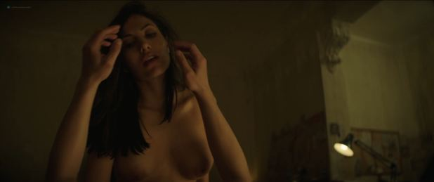 Cynthia Alesco nude topless and sex - The Romanoffs (2018) s01e06 HD 1080p Web (7)