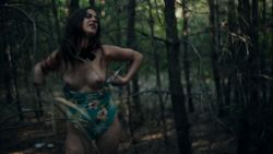 Elena Martín nude sex and Laura Weissmahr nude bush and butt - Julia ist (ES-2017) HD 1080p Web (2)