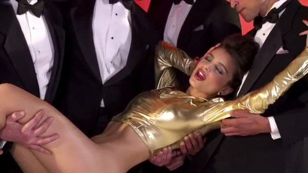 Emily Ratajkowski nude topless and butt for GQ Turkey Photoshoot (2014) (13)