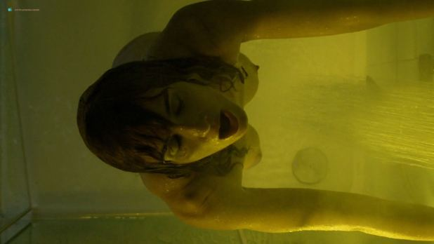 Paz Vega nude brief topless in the shower - Fugitiva (2018) s1e2 HD 1080p (3)