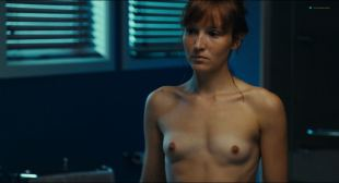 Anais Demoustier nude topless and hot sex Isild Le Besco nude - Une nouvelle amie (FR-2014) HD 1080p BluRay