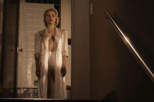 Scarlett Johansson hot Hilary Swank butt Mia Kirshner nude topless – The Black Dahlia (2006) HD 1080p BluRay