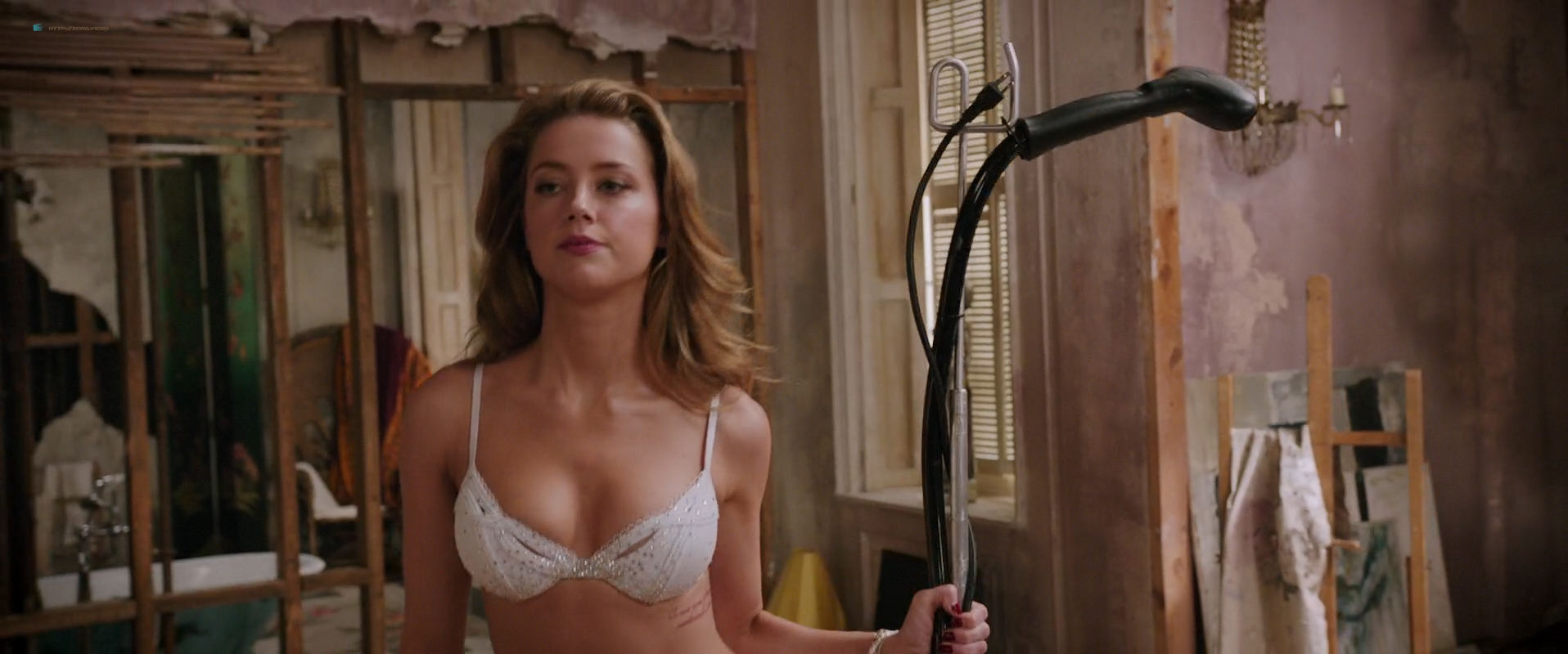 Amber Heard nude butt and very hot - London Fields (2018) HD 1080p Web (7)