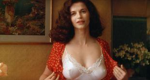 Anna Galiena hot see through and sexy - Le Mari de la Coiffeuse (FR-1990) HD 1080p BluRay (6)