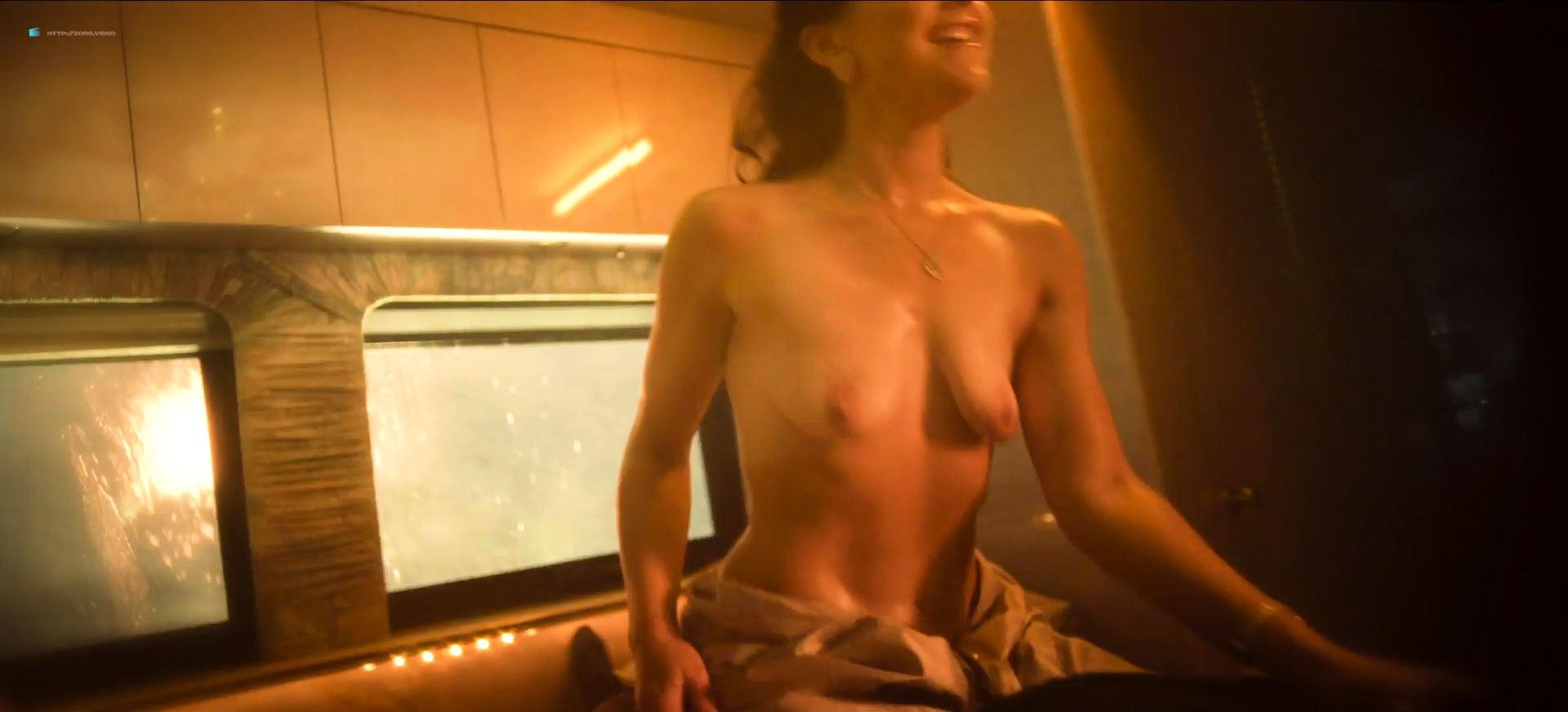 Best naked girls ass amature