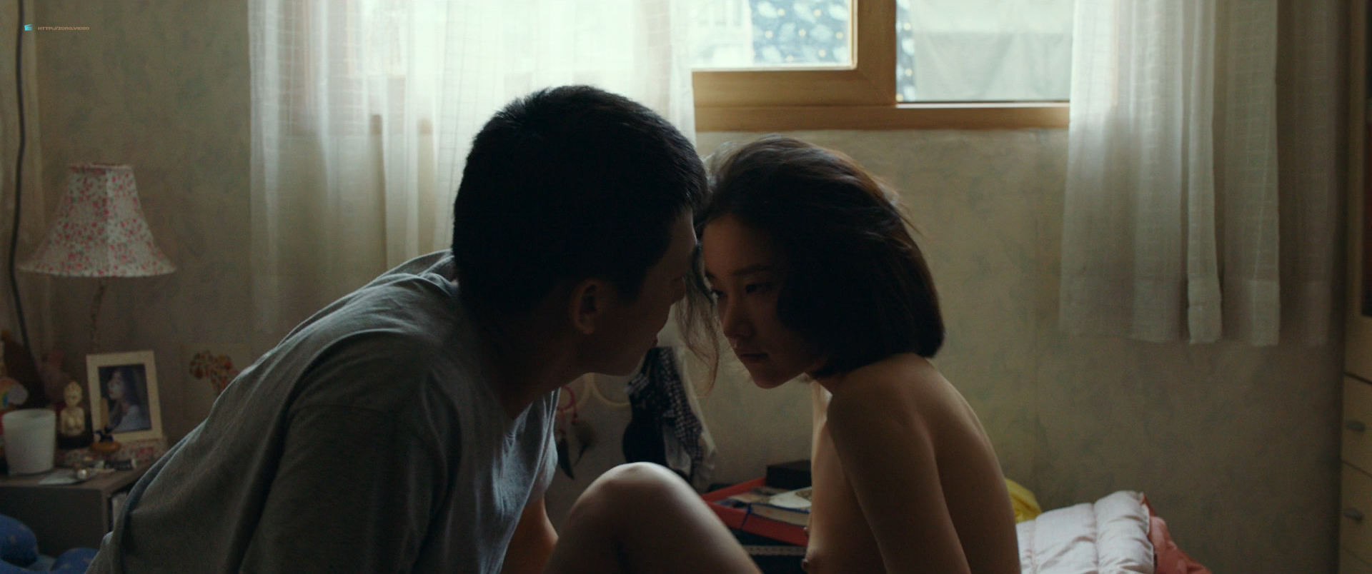 Jeon Jong-seo nude topless and sex - Burning (KR-2018) HD 1080p BluRay (15)