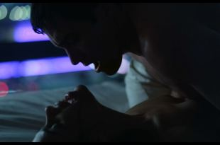 Zawe Ashton hot in one sex scene - Velvet Buzzsaw (2019) HD 1080p (6)