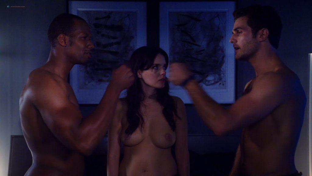 Kelli Berglund nude Roxane Mesquida nude sex threesome - Now Apocalypse (2019) s1e8 HD 1080p (4)