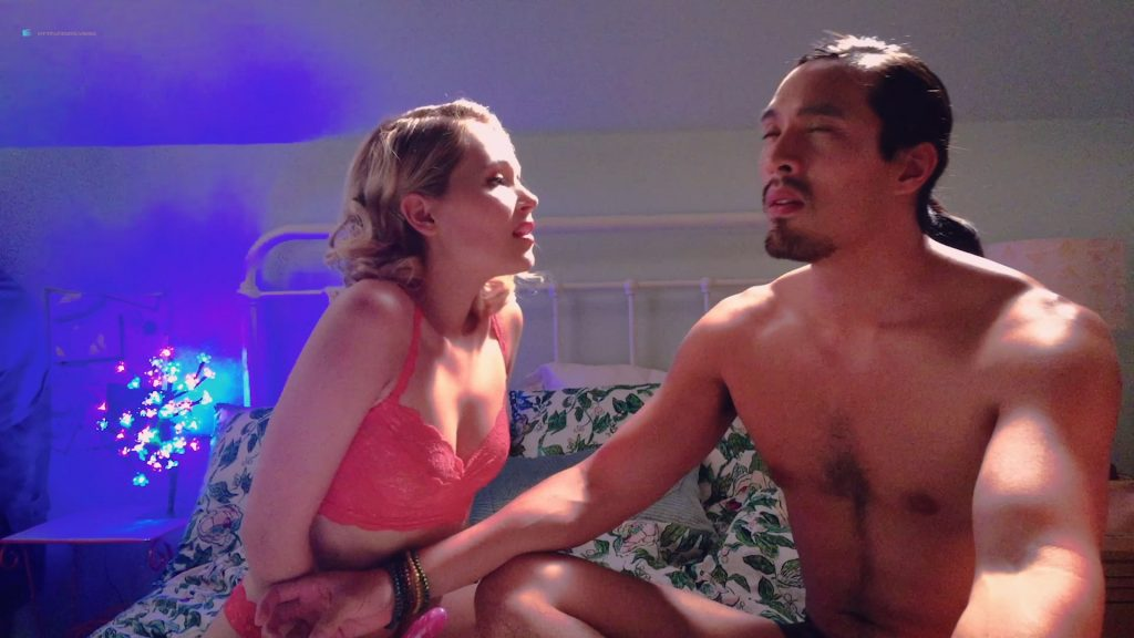 Kelli Berglund nude Roxane Mesquida sex threesome - Now Apocalypse (2019) s1e6-7 HD 1080p (17)