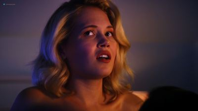 Kelli Berglund nude topless and sex - Now Apocalypse (2019) s1e1 UHD 2160p