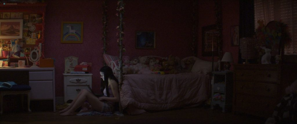 Joey King nude butt - The Act (2019) s1e4 HD 1080p WEB (4)