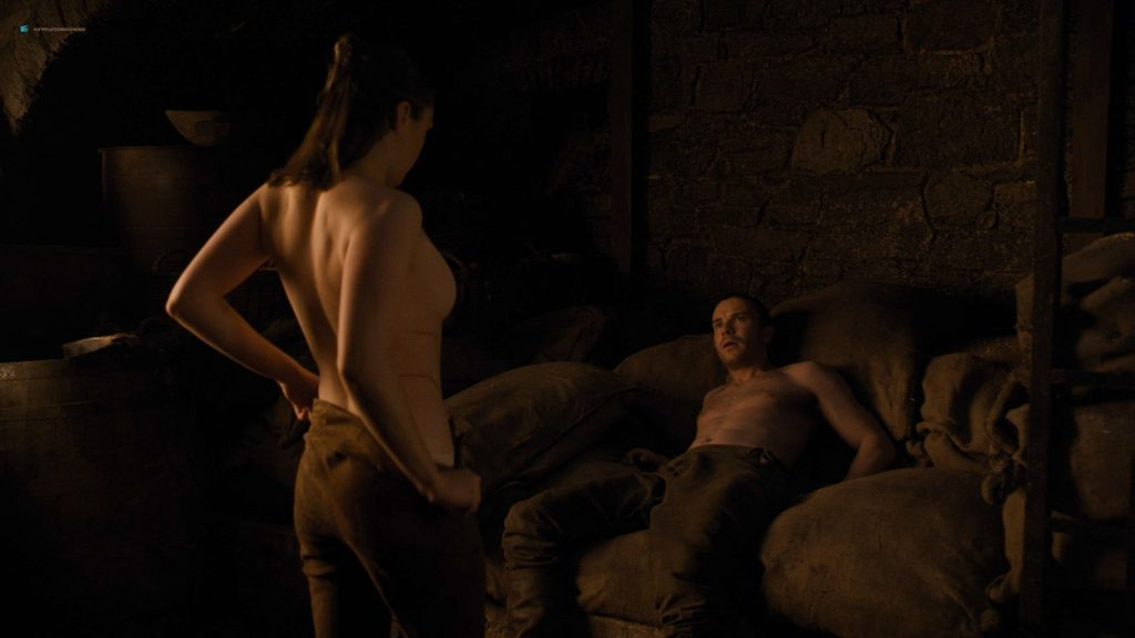 Maisie Williams nude butt and side boob - Game of Thrones (2019) s8e2 HD 1080p (7)