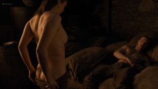 Maisie Williams nude butt and side boob – Game of Thrones (2019) s8e2 HD 1080p