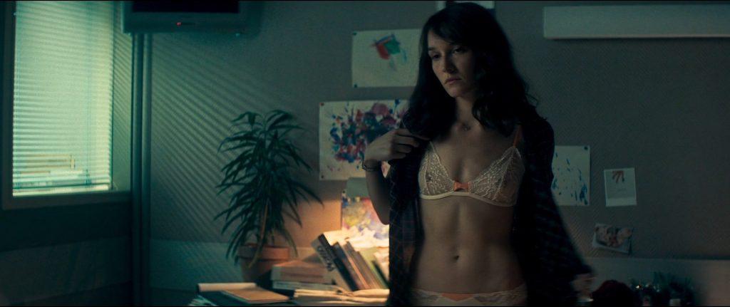 Anaïs Demoustier nude bush, butt and topless - Sauver ou périr (FR-2019) HD 1080p BluRay (7)