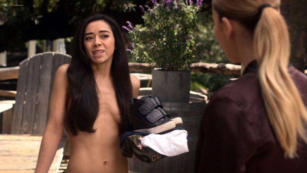 Aimee Garcia nude butt - Lucifer (2019) s4e6 HD 1080p (8)