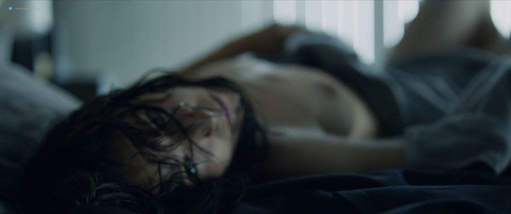 Verónica Sánchez nude bush Marta Milans and Irene Arcos nude too - El embarcadero (ES-2019) s1e1-3 HD 1080p (11)