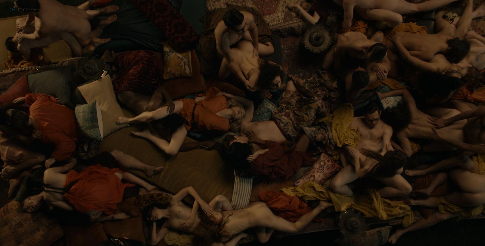Amara Zaragoza nude topless Bella Heathcote hot orgy sex – Strange Angel (2018) s2e2 HD 1080p WEB (3)