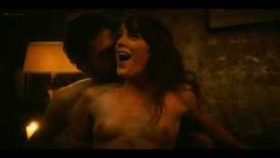 Ellen Page sex threesome Samantha Soule, May Hong nude topless - Tales Of The City (2019) s1e1-2 HD 1080p