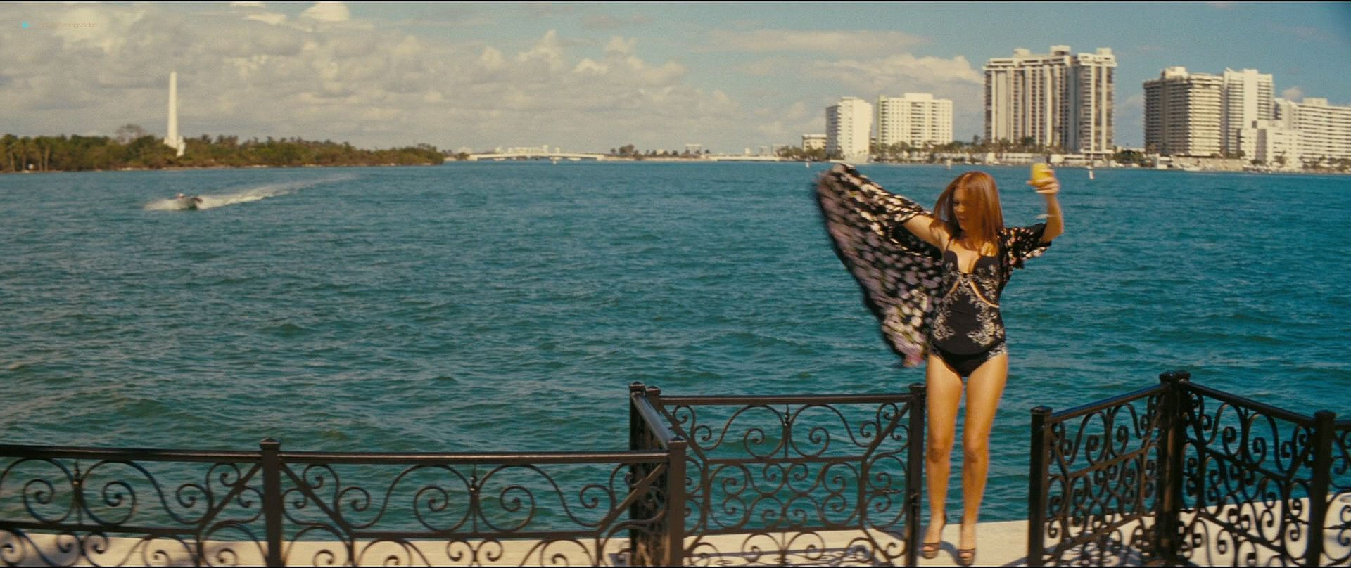 Isla Fisher hot and sexy others nude topless - The Beach Bum (2019) 1080p BluRay (6)