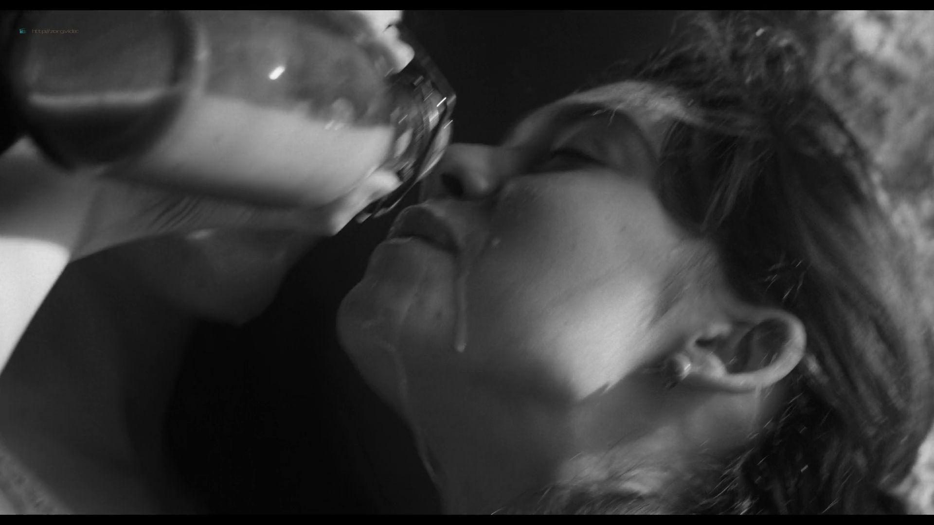 Natalia de Molina nude full frontal Greta Fernández nude lesbian - Elisa y Marcela (SP-2019) HD 1080p Web (9)