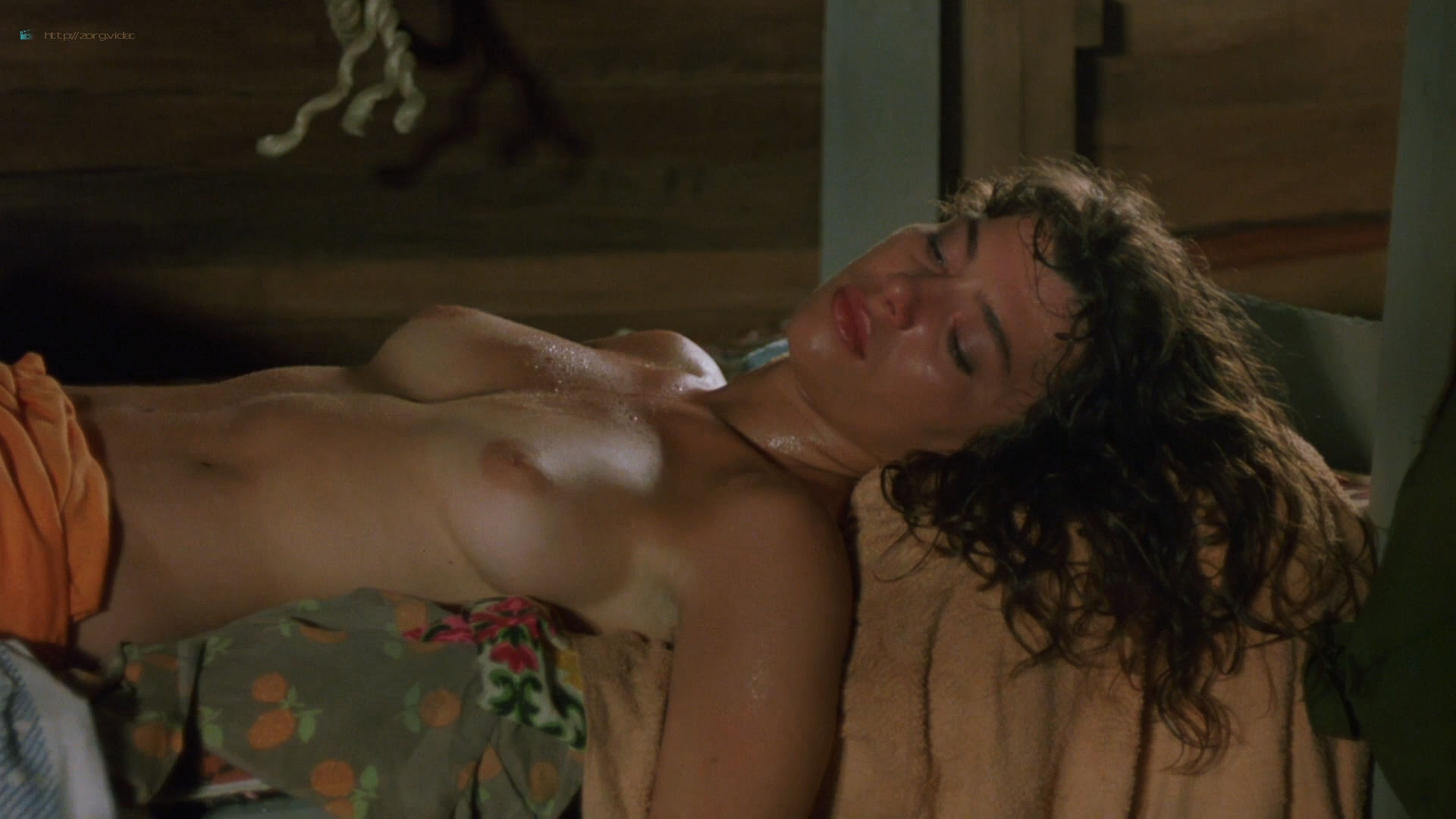 Valentina Forte nude bush sex and hot in the shower - Cut and Run (1985) HD 1080p BluRay (8)