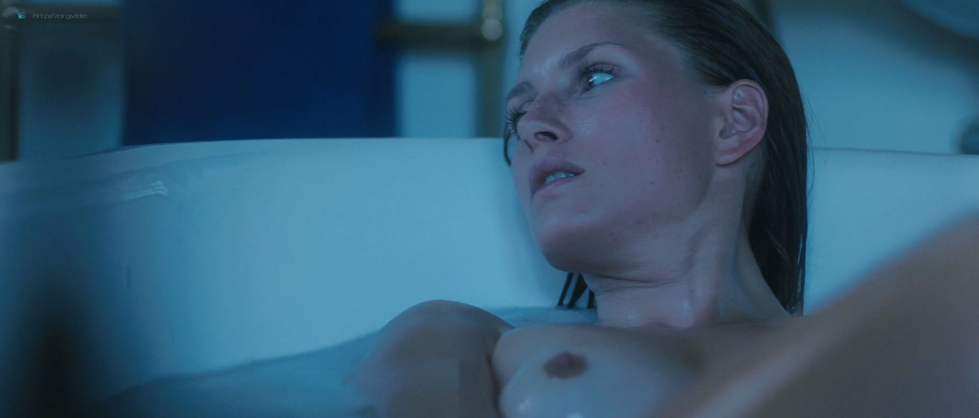 Andréa Winter nude full frontal and skinny dipping - Blood Paradise (2018) HD 1080p Web (9)