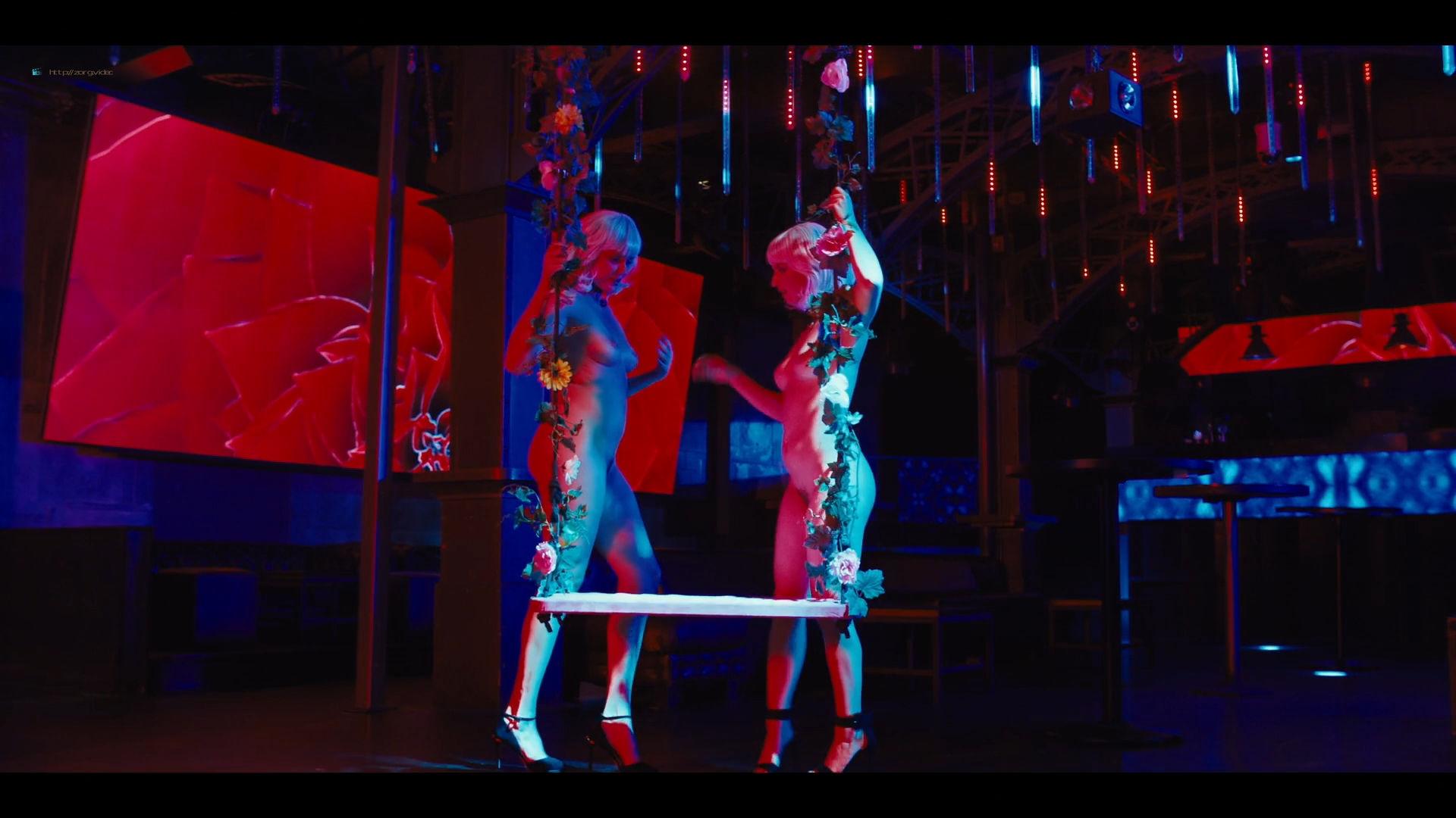Carla Gugino sexy Gaite Jansen nude topless - Jett (2019) s1e4 HD 1080p (3)