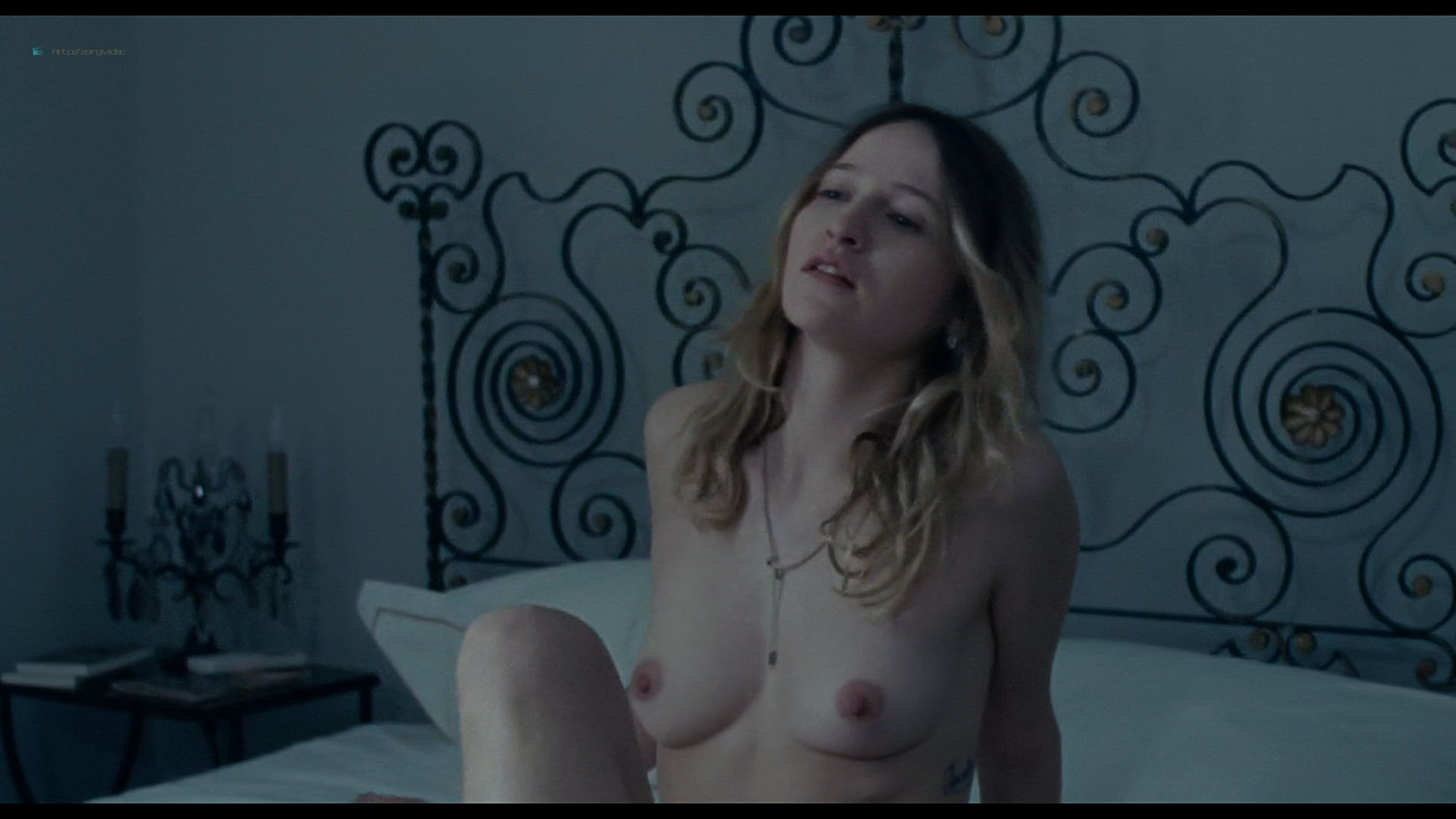 Christa Theret nude topless Juliette Binoche sex - Doubles vies (2018) HD 1080p Web (9)