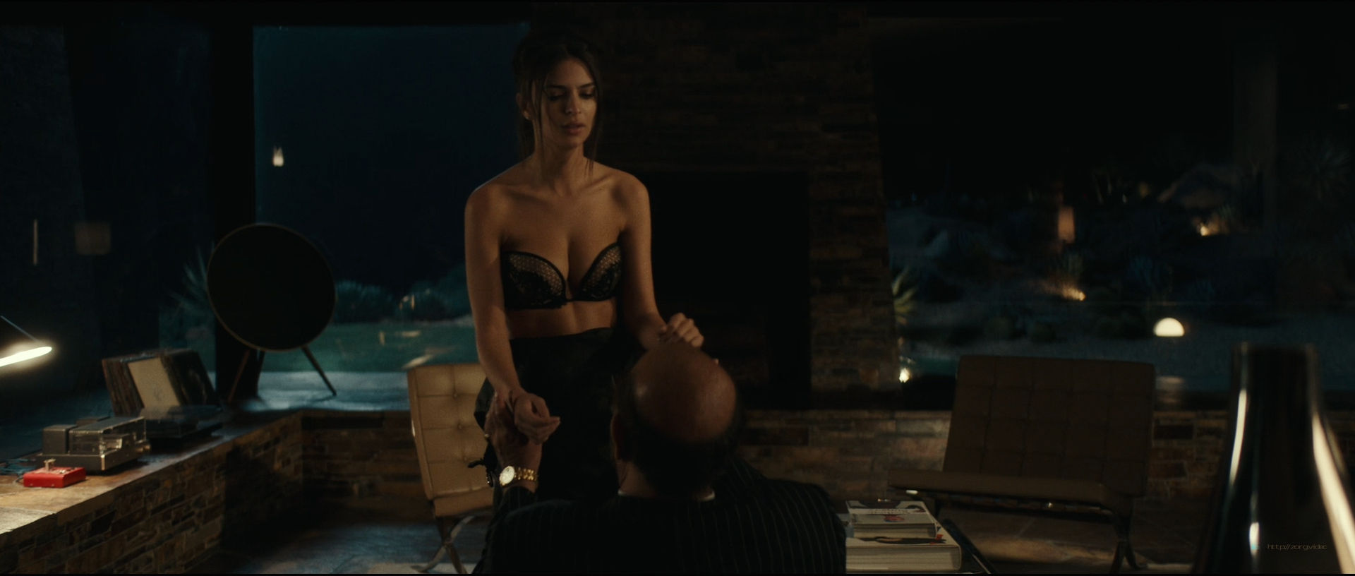 Emily Ratajkowski hot sideboob - Lying and Stealing (2019) 1080p WEB (5)