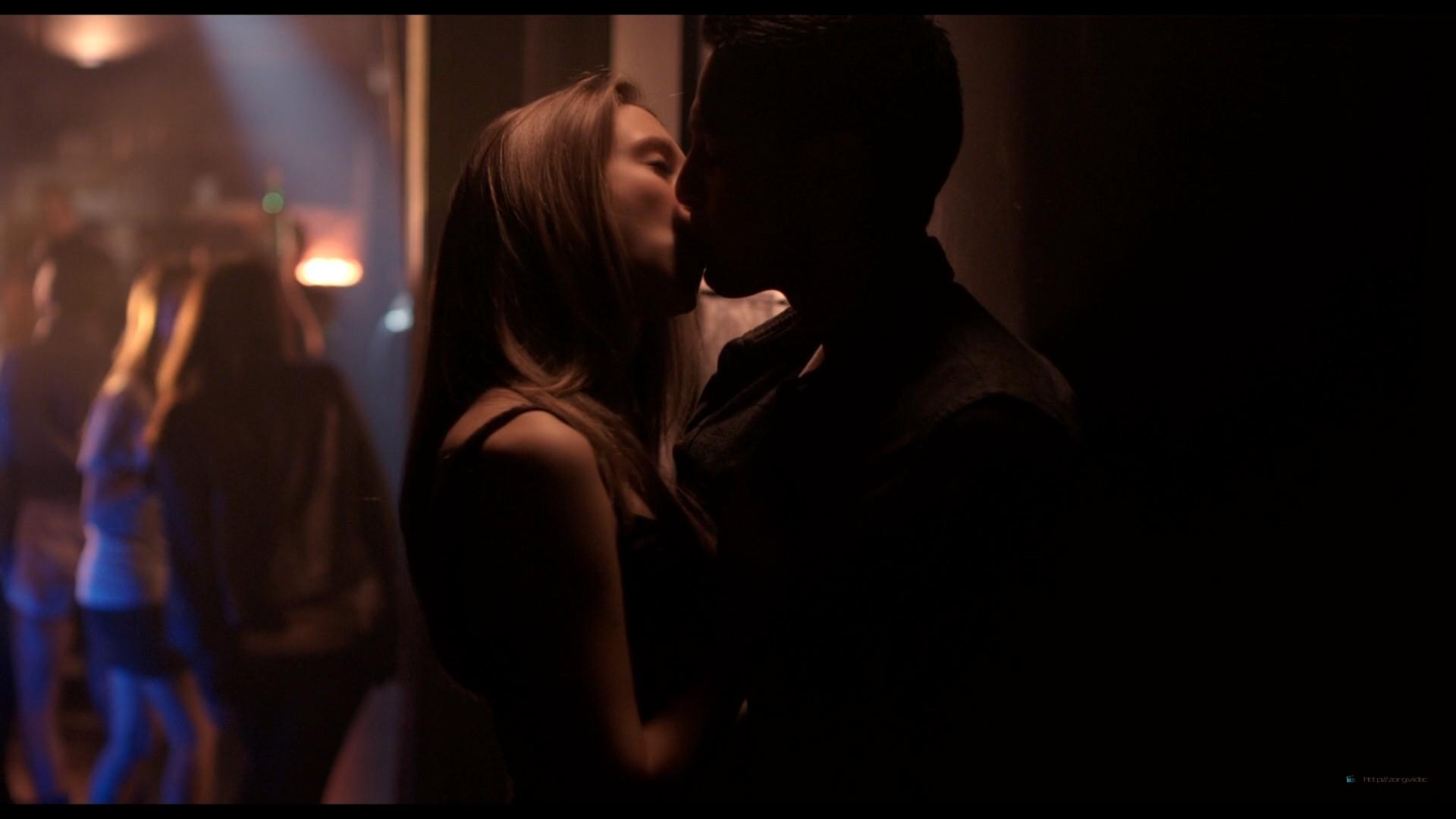 Emma Watson hot Taissa Farmiga and others sexy - The Bling Ring (2013) HD 1080p BluRay (12)