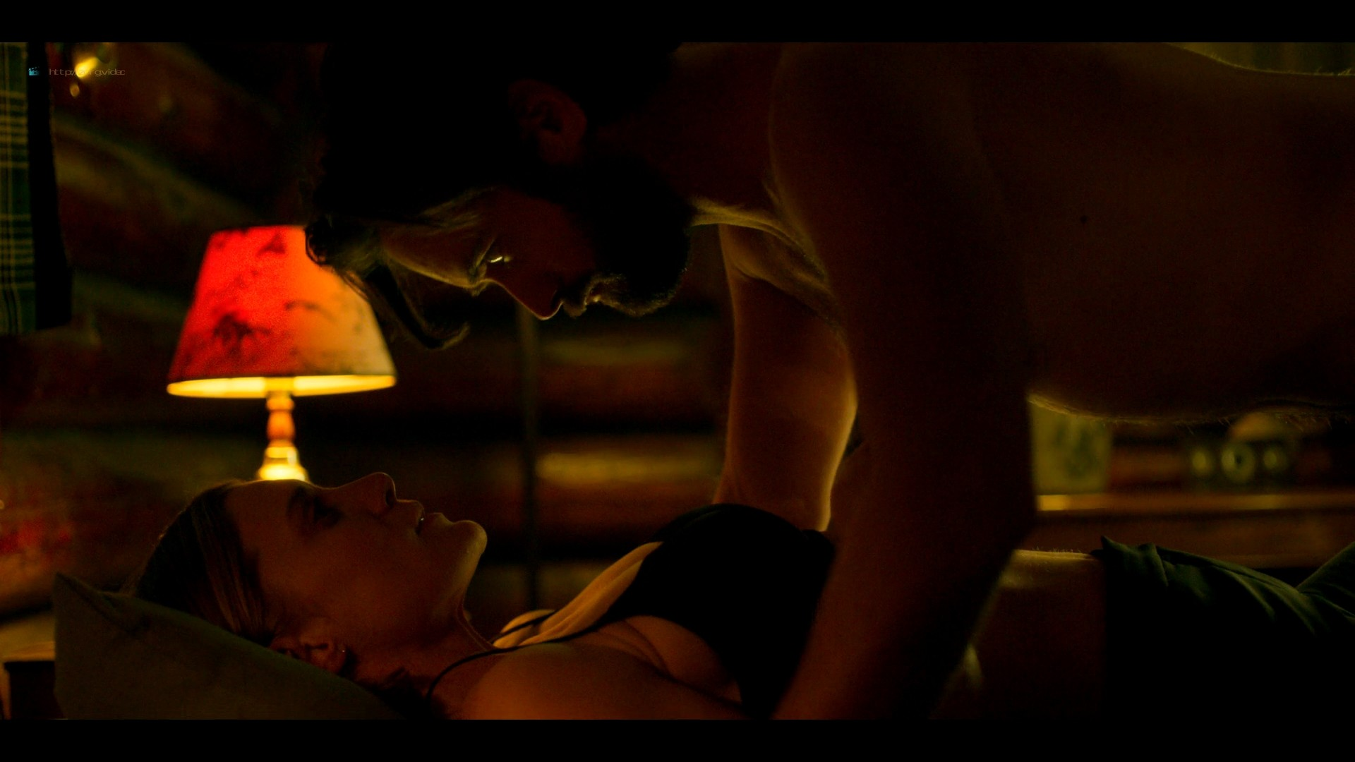 Katee Sackhoff nude butt Blu Hunt sex threesome - Another Life (2019) s1e8 HD 1080p (5)