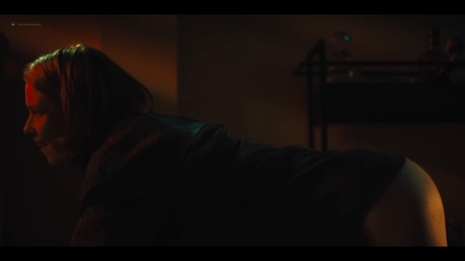 Lucy Walters sexy Carla Gugino, Natalie Hall hot - Jett (2019) s1e7 HD 1080p (9)