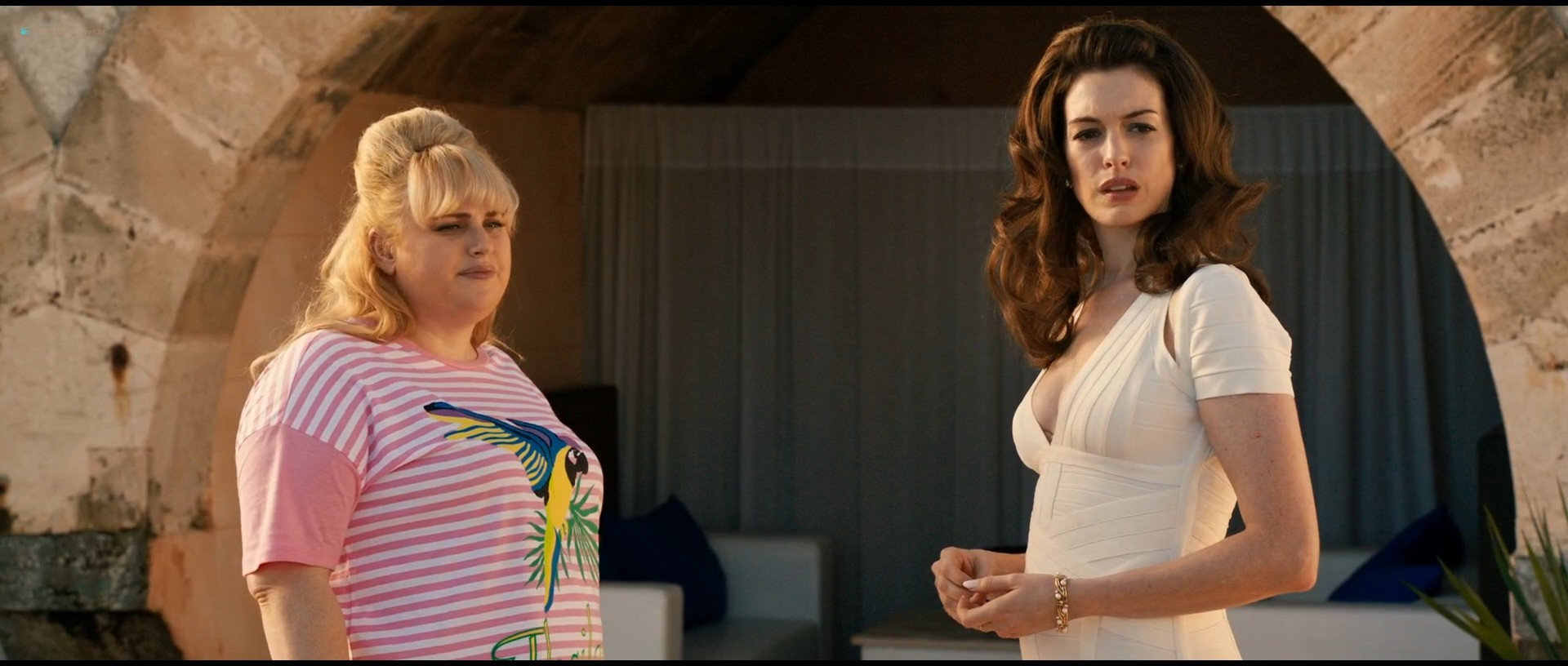 Anne Hathaway hot and sexy - The Hustle (2019) HD 1080p Web (6)