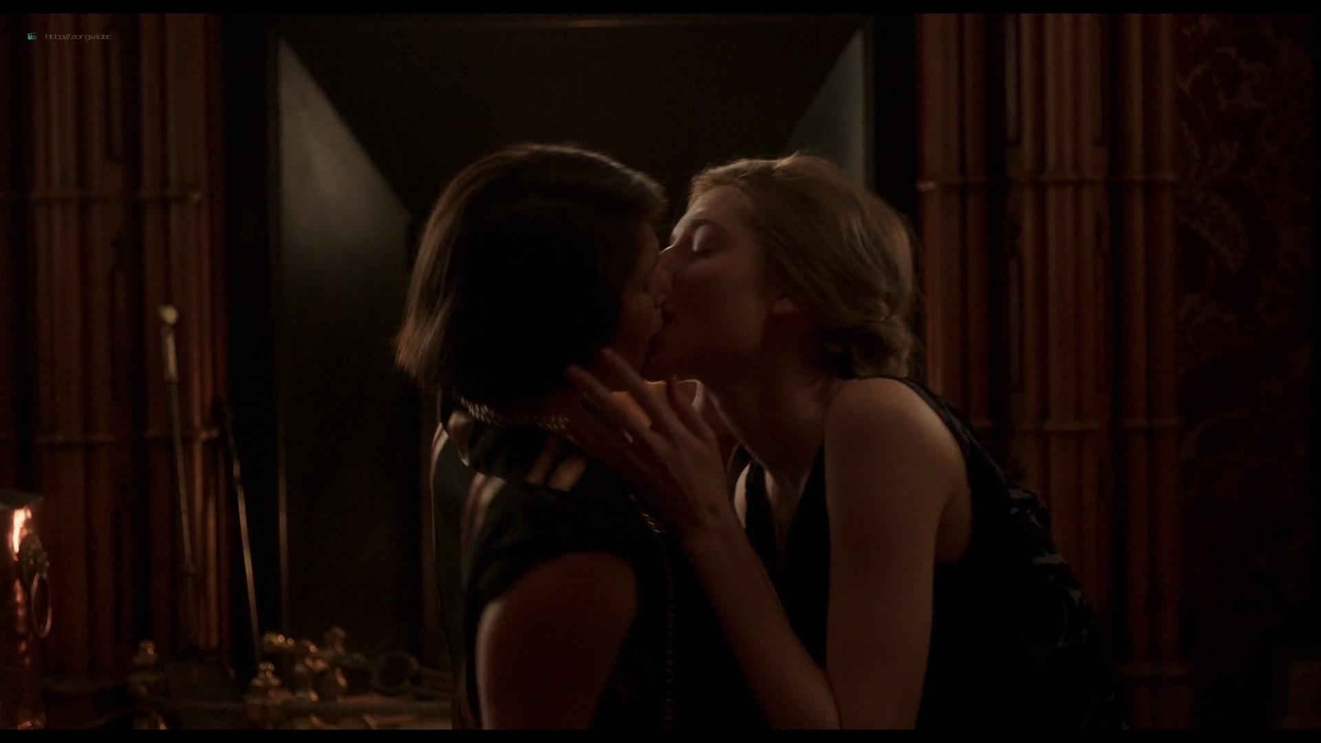Elizabeth Debicki nude and Gemma Arterton lesbian sex - Vita & Virginia (2018) HD 1080p Web (13)