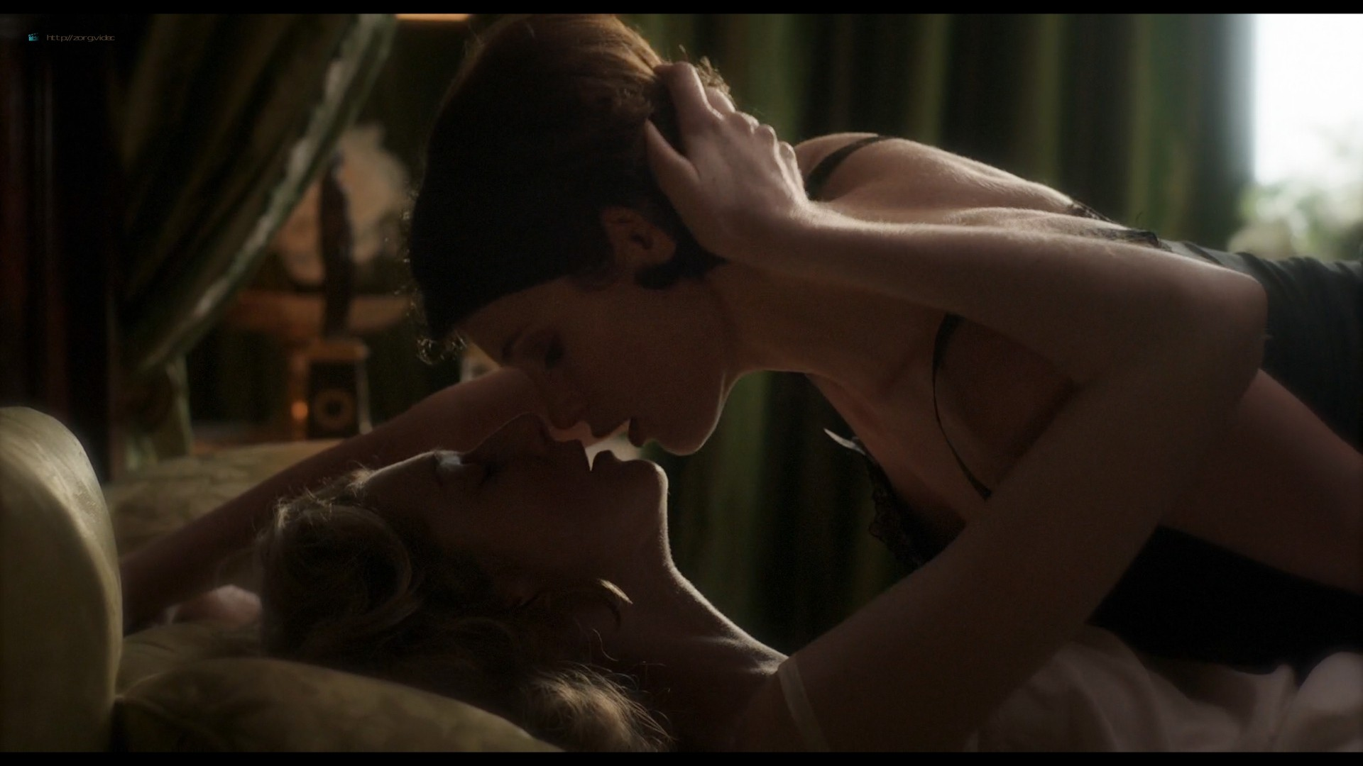 Elizabeth Debicki nude and Gemma Arterton lesbian sex - Vita & Virginia (2018) HD 1080p Web (11)