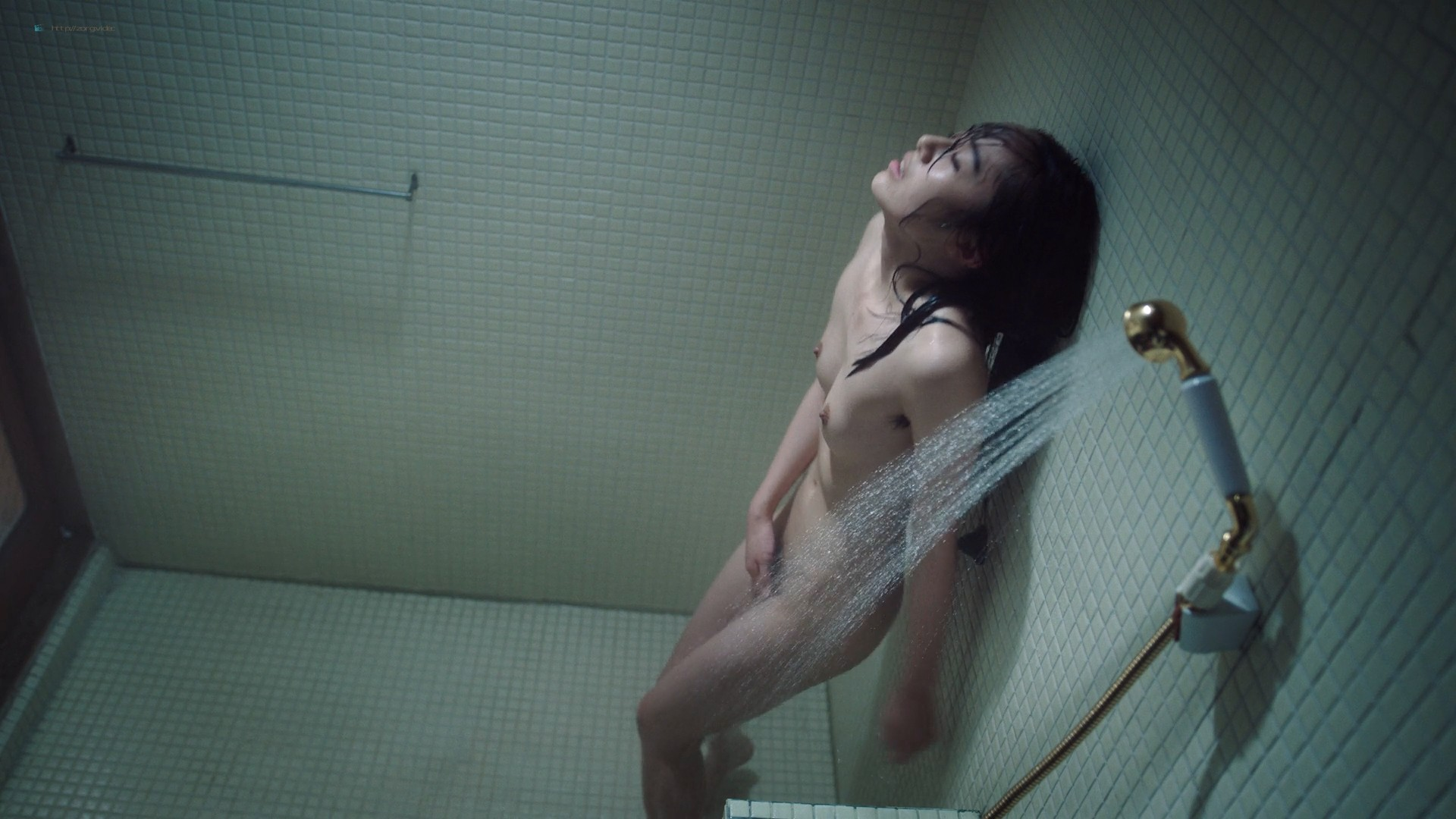 Misato Morita naked in the shower rest nude - The Naked Director (2019) s1e2 HD 1080p (5)