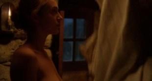 Pauline Burlet nude topless and sex Raphaëlle Agogué sex doggy style - Le semeur (FR-2017) (9)