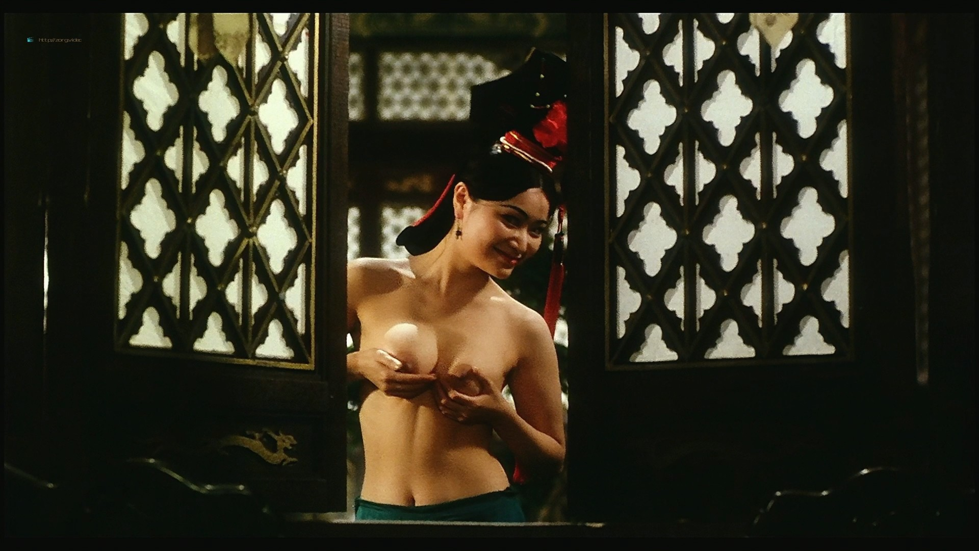 Yvonne Yung Hung nude and a lot of sex Julie Lee and others nude too - Sex and the Emperor (HK-1994) HD 1080p BluRay (12)