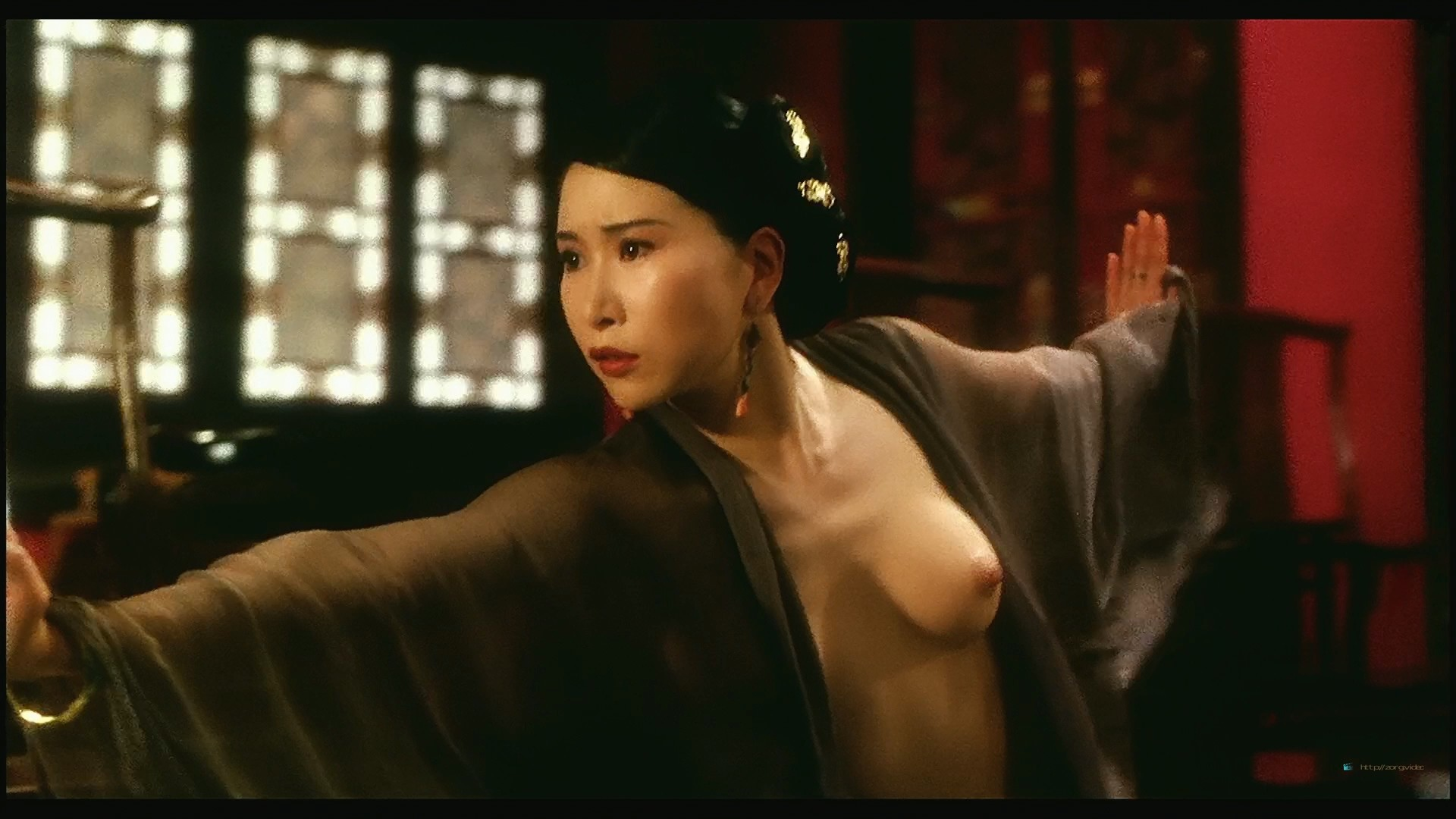 Yvonne Yung Hung nude and a lot of sex Julie Lee and others nude too - Sex and the Emperor (HK-1994) HD 1080p BluRay (9)