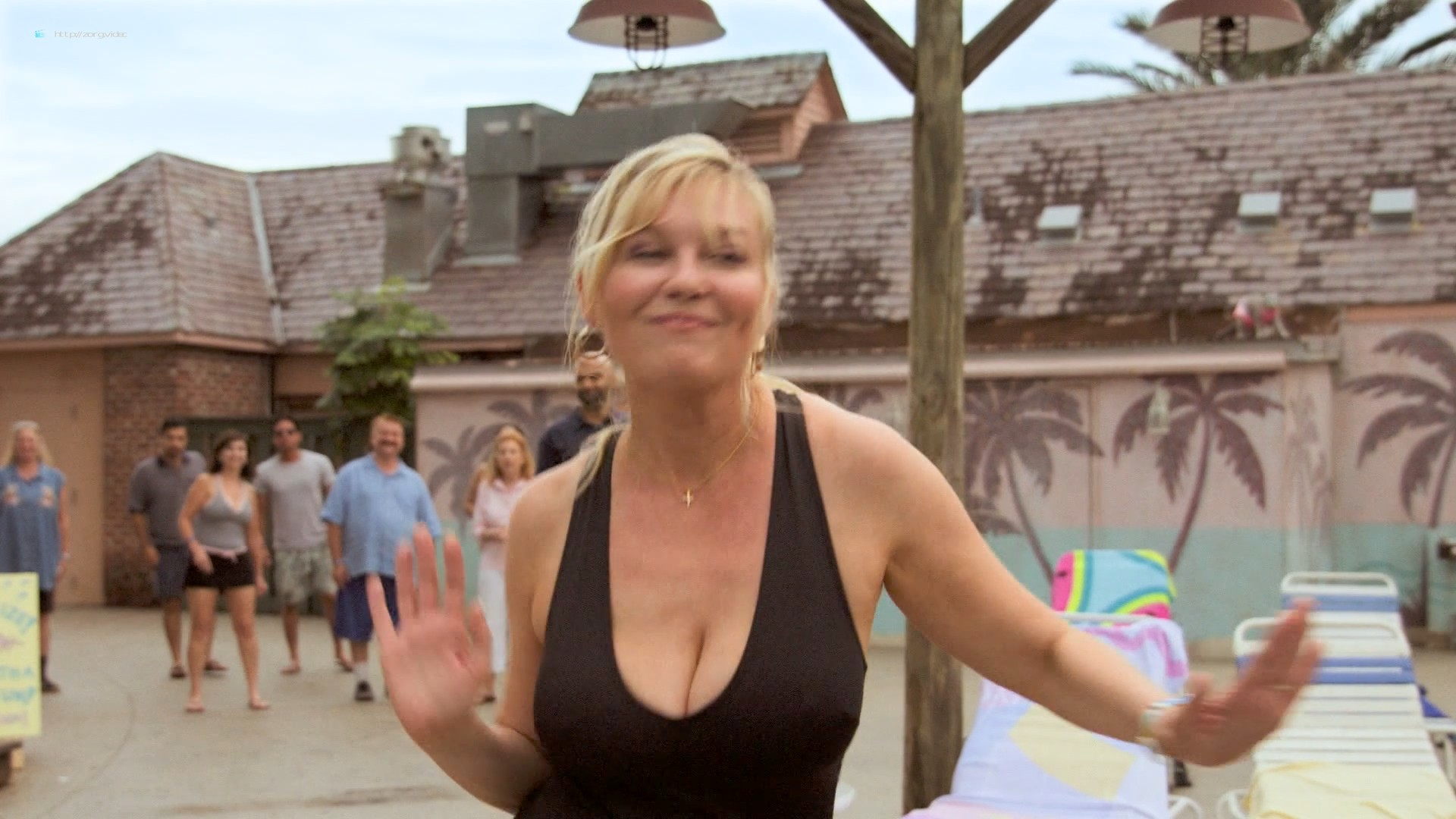 Kirsten Dunst hot sexy and busty - On Becoming a God in Central Florida (2019) s1e1-3 HD 1080p (2)