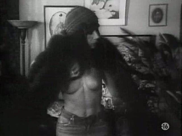 Carole Laure nude and explicit sex - L'ange et la Femme (1977) (16)