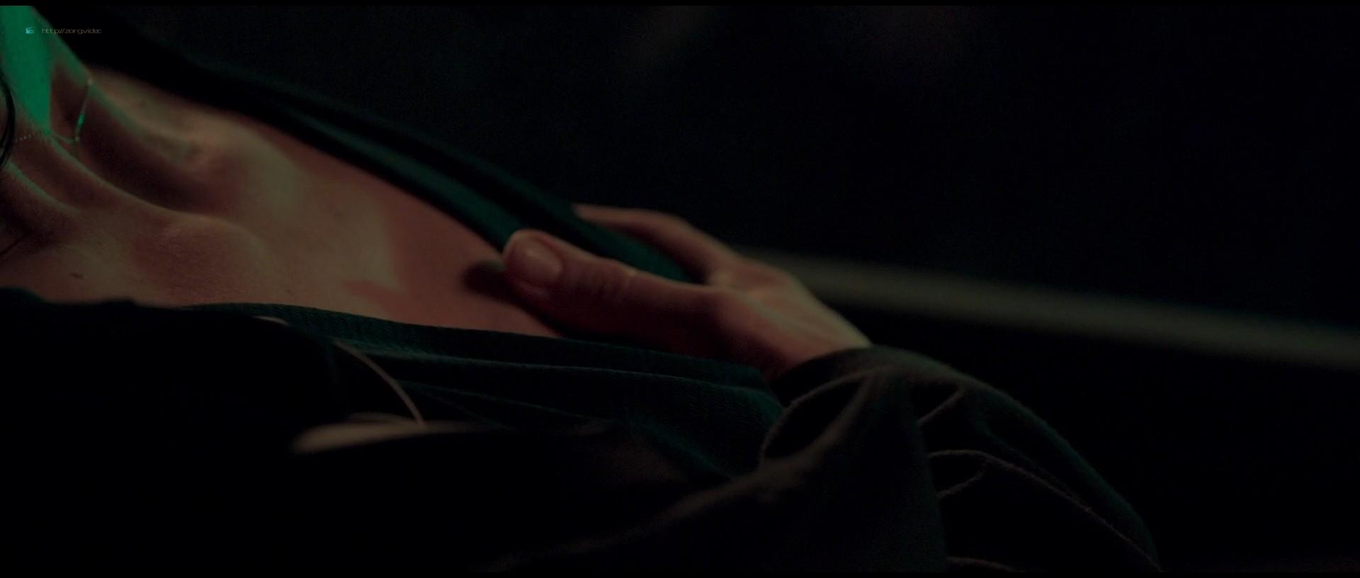 Juliette Binoche nude hot sex - Celle que vous croyez (FR-2019) 1080p BluRay (6)